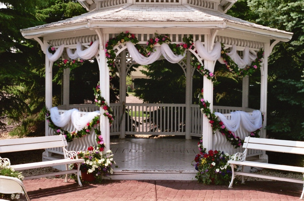 Jimmy's Outdoor Gazebo area